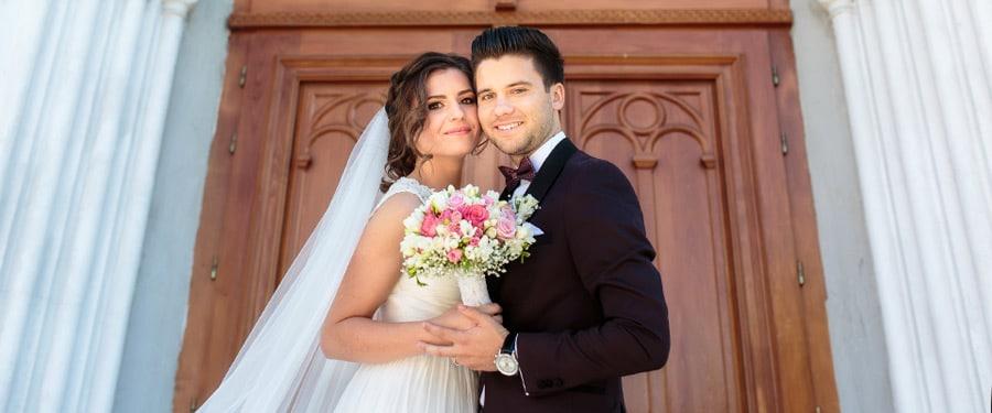 Cuplu de nunta in Petrosani dupa ceremonia romano-catolica