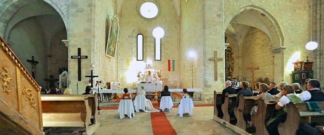 Filmare nunta Ungaria - Ceremonie religioasa nu departe de Eger