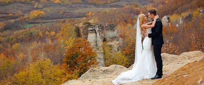 Filmare dupa nunta cu mirii in Gradina Zmeilor din Judetul Salaj