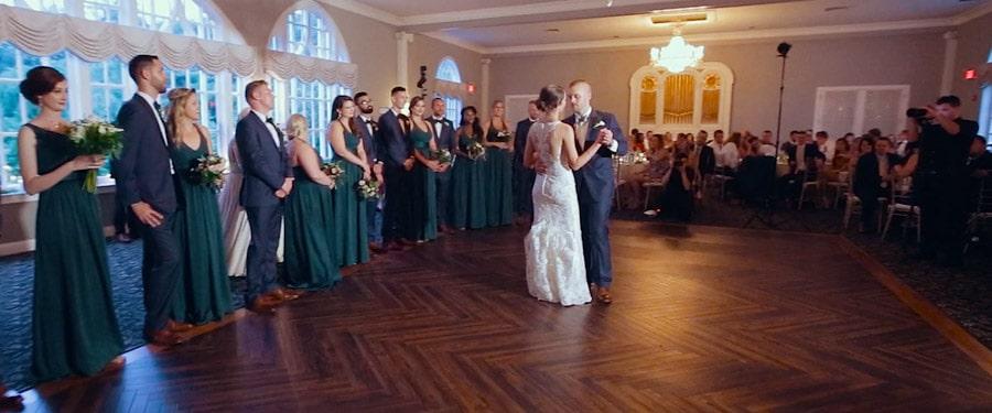 Dansul mirilor la nunta in stil american